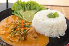 Sokan összekeverik ezt a thai ételt a vörös curryvel, de a Panaeng curry más összetevőkkel, más módon készül.