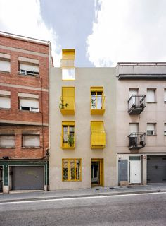 Anna and Eugeni Bach create Barcelona apartment building with bright yellow balconies Kengo Kuma, Chongqing, Chengdu, Design Studio, Life Design, Cabana, Casa Cook Hotel, Odense, Lake Flato