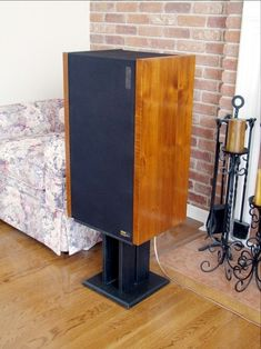 Vintage ESS Amt4 speaker