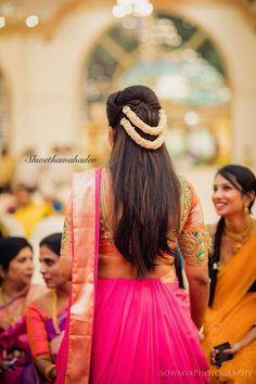 Short Hairstyles For Straight Hair 2019 frisuren haare hair hair long hair short hairstyles indian Bridal Hairstyle Indian Wedding, Bridal Hair Buns, Bridal Hairdo, Indian Wedding Hairstyles, Hair Wedding, Wedding Bridesmaids, Party Wedding, Wedding Dresses, Indian Hairstyles For Saree