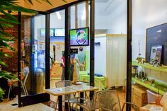 O'bop! is located on the ground floor of the 1132 Bishop Street tower across from 1132 Cafe.