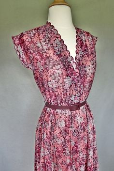 70s dress / ditzy floral summer dress by bitterrootvintage on Etsy, $40.00
