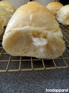 Because everyone needs a fabulous and easy dinner roll recipe.