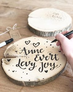 Woodworking Supplies, Woodworking Ideas, Wood Letters, Next At Home, Dremel, Surface Design, Decoration, Arts And Crafts, House Design