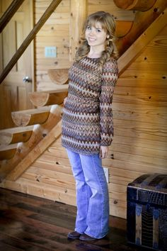 I'm here wearing another tunic + jeans outfit! In the Tennessee wintertime when going out the door means instant mud on anything. Modest Pants, Modest Dresses, Maxi Dresses, Modest Fashion, Fashion Outfits, Fashion Tips, Kinds Of Clothes, Feminine Style, Feminine Fashion