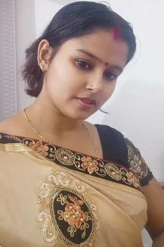 Cute Desi Indian bhabhi