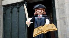 """Der protestantische Kirchengeschichtler Thomas Kaufmann wirft der Führungsriege seiner Kirchengemeinschaft vor, das Reformationsjubiläum mit """"Propagandaslogans"""" geprägt zu haben. Im Vorspann seines…"""
