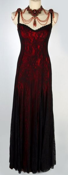 Victorian Style Michal Negrin Gown    Just once, just one time in my life I would like to wear this.  :) Cindy