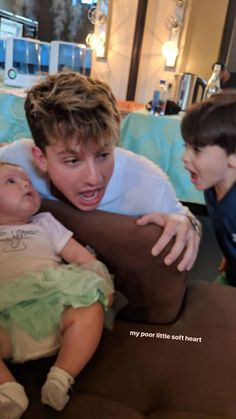 A big baby with 2 litlle babis Charlie Puth, Cute Celebrities, Celebs, How Big Is Baby, Big Baby, Playing Piano, King Charles, My People, Chris Evans