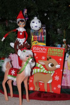 The Elf on the Shelf : Doe bringing new color book and crayons
