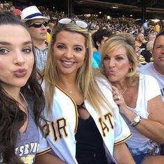 Family night out⚾️