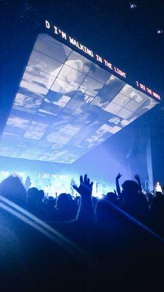 hillsong united people tour • 4/29/19 Hillsong United, Robert Kiyosaki, Concert Stage Design, Quotes Dream, Nightclub Design, Digital Projection, Stage Set Design, Freestyle Rap, Kingdom Come