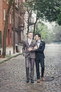 This dashing shoot right here? It's the definition of old New York City charm. With a seamless design and vision from Manifest Events and Full Aperture Floral, it's literally packed with steal-worthy details. Details like the subtly masculine, playful palette, olive branches paired with blooms, Art Deco touches, and dapper Grooms groomed by Jackie Schneider Beauty, all captured stunningly by Clean […]
