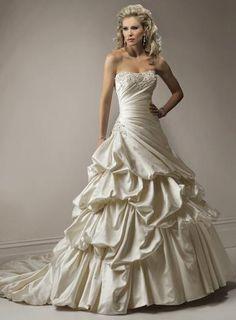 Devine Wedding Dress – Maggie Sottero 2011 Collection