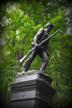 .Monument to the 10th  Pennsylvania Reserves Regiment