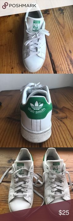 Adidas Stan Smith 7.5 Men's (Fit 9.5 women's) Classic Stan Smith white sneakers with green detail on the back. Perfect for freshening up your look! I love to wear them with a maxi dress to offset my outfit. These are a 7.5 in men's which usually would be a 9 in women's however Adidas runs a bit large so I would say these are a 9.5 in women's! I'm a size 9 and there a too big for me. adidas Shoes Sneakers