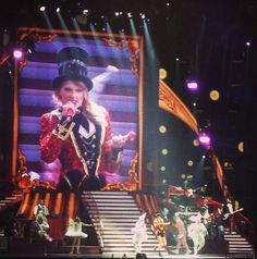 We Are Never Ever Getting Back Together - RED Tour, London 2/1/14