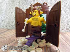 #lego noppenquader #narnia faun fabelwesen fairytale satyr mister #tumnus wardrobe kleiderschrank ikea chronicles