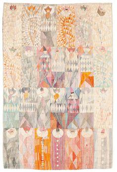 """Första varianten av """"Karneval"""" var komponerad 1961. Vissa mönster i det här exemplaret är vävda med metalltråd, sannolikt silver. Gobelängvariant. 227 x 153 cm. Signerad AB MMF MR (AB Märta Måås-Fjetterström, Marianne Richter)."""