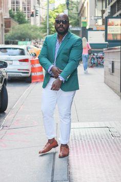 Green blazer + striped dress shirt + white pants + brown loafers Black Mens Fashion Suits, Mens Plus Size Fashion, Large Men Fashion, Men's Fashion, Mens Green Blazer, Green Jeans Outfit, White Pants Men, Chubby Men Fashion, Big And Tall Style