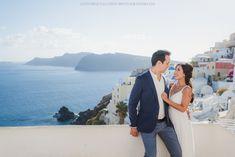 A dreamy Santorini photo session – honeymoon couples photoshot - Santorini Photographer ANNA SULTE