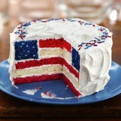 4th of July cake!! making a cake that looks like this and sticking a few sparklers on top.