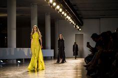 Animale apresenta sua coleção para o inverno 2016 na São Paulo #FashionWeek. A marca foi responsável por abrir o 2º dia do evento, nesta segunda-feira (19). Foto:Adriano Vizoni/Folhapress.