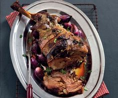 Roast has been a main feature of the Pope's dinner since the Century. Continue tradition with this easy-to-carve lamb shoulder Meat Recipes, Low Carb Recipes, Tomato Tart Recipe, Lamb Shoulder, Easter Recipes, Holiday Recipes, Dinner Recipes, Recipe Search, Easter Dinner