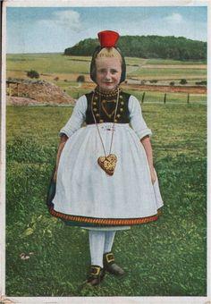 163.657 Hessische Trachten, Kleines Schwälmer Mädchen Folk Costume, Costumes, German Folk, Girls, Disney Princess, Ebay, Character, Vintage, Style