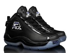 """FILA """"Ice Blue Steel"""" Pack : FILA prepares for the colder months with a special """"Ice Blue Steel"""" pack for the Holiday 2013 Classic Sneakers, Best Sneakers, Sneakers Fashion, Fresh Shoes, Hot Shoes, Fila Basketball Shoes, Air Jordan, Cheap Nike Air Max, Comfortable Sneakers"""