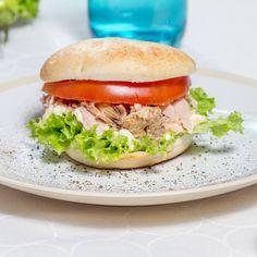 Prefiere los panes amasados HOME BAKERY de BredenMaster. En pocos minutos, ¡el sándwich listo en tu mesa!