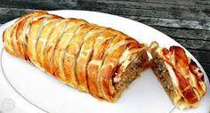 Sweet Chilli Sausage Plait = Fab Food 4 All Sausage Plait, Sausage Rolls, Savory Pastry, Puff Pastry Recipes, Great British Chefs, Pub Food, Food Food, Turkish Recipes, Romanian Recipes