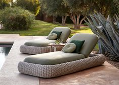 [Hot Item] Outdoor Wicker Sunbed with Cushion Rattan Garden Daybed Patio Double-Bed Hotel Project Sun Lounger Chaise Furniture Modern Garden Furniture, Chinese Furniture, Wicker Furniture, Home Furniture, Outdoor Furniture Sets, Furniture Design, Beach Furniture, Garden Loungers, Outdoor Loungers