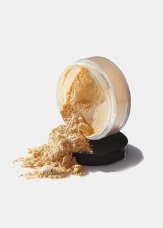everything you need to know about baking Setting Powder, Discount Cosmetics, Best Cheap Makeup, Kylie Makeup, Face Brightening, Translucent Powder, Finishing Powder, Dark Skin Tone, Maquillaje