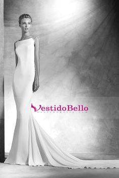 2016 Abrir Volver vestidos de novia de la cucharada de las mangas del casquillo tribunal tren con rebordear