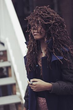 i am so into this picture and this girl and these locs. yes.