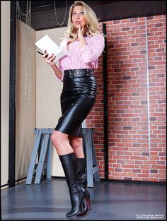 Blonde secretary in high waisted belted black leather pencil skirt and black boots : Blonde secretary in high waisted belted black leather pencil skirt and black boots Black Leather Pencil Skirt, Black Pencil, Leder Outfits, Skirts With Boots, Sexy Boots, Black Boots, Sexy Skirt, Leather Dresses, Looks Cool