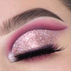glitter eyeliner looks cut crease ~ eyeliner in crease ; cut crease with eyeliner ; glitter eyeliner looks cut crease ; cut crease no eyeliner Glitter Makeup Looks, Glitter Make Up, Makeup Eye Looks, Eye Makeup Steps, Eye Makeup Art, Bridal Eye Makeup, Colorful Eye Makeup, Beautiful Eye Makeup, Smokey Eye Makeup