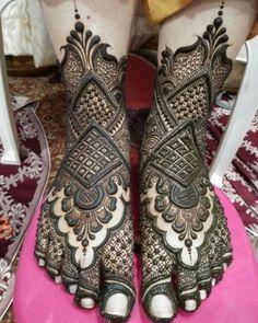 New and Trendy Bridal Mehndi designs Full Mehndi Designs, Indian Henna Designs, Mehndi Designs Feet, Latest Bridal Mehndi Designs, Mehndi Design Pictures, Mehndi Designs For Girls, Wedding Mehndi Designs, Dulhan Mehndi Designs, Leg Mehendi Design