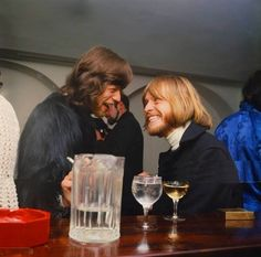Mick Jagger & Brian Jones, ohmygod their faces