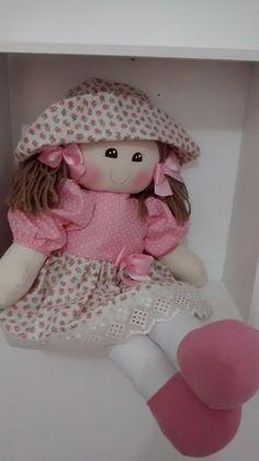 bonecas de pano para quarto de bebe para decorar festa. feitas em tecido de algodão.medida 50cm Sewing Dolls, Soft Dolls, Cute Dolls, Doll Face, Doll Patterns, Beautiful Dolls, Kids Toys, Doll Clothes, Hello Kitty