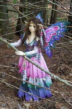 Opal, a Forest Fairy by Martha Boers Beautiful Fairies, Beautiful Dolls, Fairy Clothes, Fairy Figurines, Fairy Dress, Forest Fairy, Fairy Art, Magical Creatures, Ball Jointed Dolls