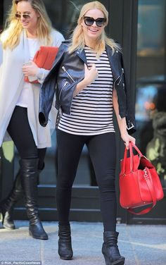 Normalcy: Margot Robbie took a break from her Suicide Squad role to enjoy a walk and some ...
