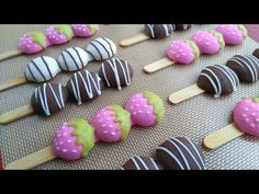 COKLAT EGG DROP STICK - YouTube Strawberry Cookies, Strawberry Dip, Chocolates, Cheesecake Popsicles, Cupcake Youtube, Market Day Ideas, Purple Cupcakes, Drop Biscuits, Egg Drop