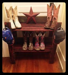 Love how this pallet and barn wood boot/hat rack turned out #rockinskbrand SOLD