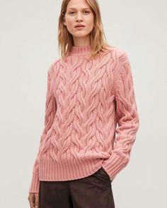 Model side image of Cos cable-knit wool jumper in pink Cable Knitting, Cable Knit Jumper, Knitting Designs, Knitting Patterns, Knit Picks, Sweater Design, Korean Fashion, Knitwear, Knit Crochet