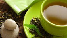 Sabia que duas chávenas de chá verde contêm a mesma dose de vitamina C que um copo de sumo de laranja natural? Pois é, mas as qualidades deste não ficam por aqui… #Bem_Estar_Propriedades_do_Chá_Verde #dicas #truques #chá