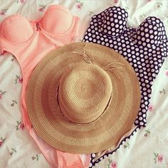 Beach wear    floral-ee:  ✻ ROSY HERE ✻  ✿follow my instagram: @Naaaaaaaaarry and message me for a promo to 9k✿  Rosy <3