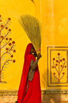 Women working, Amber Palace, Amber (near Jaipur), Rajasthan, India / Blaine Harrington III We Are The World, People Around The World, Wonders Of The World, World Of Color, Color Of Life, Books Art, Anne Laure, Amazing India, Indian Colours