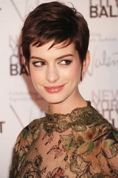Anne Hathaway NY Ballet Gala 2012